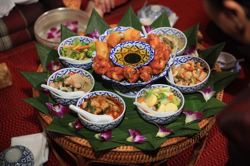 A thai wedding feast menu thailand weddings thai wedding food junglespirit Gallery